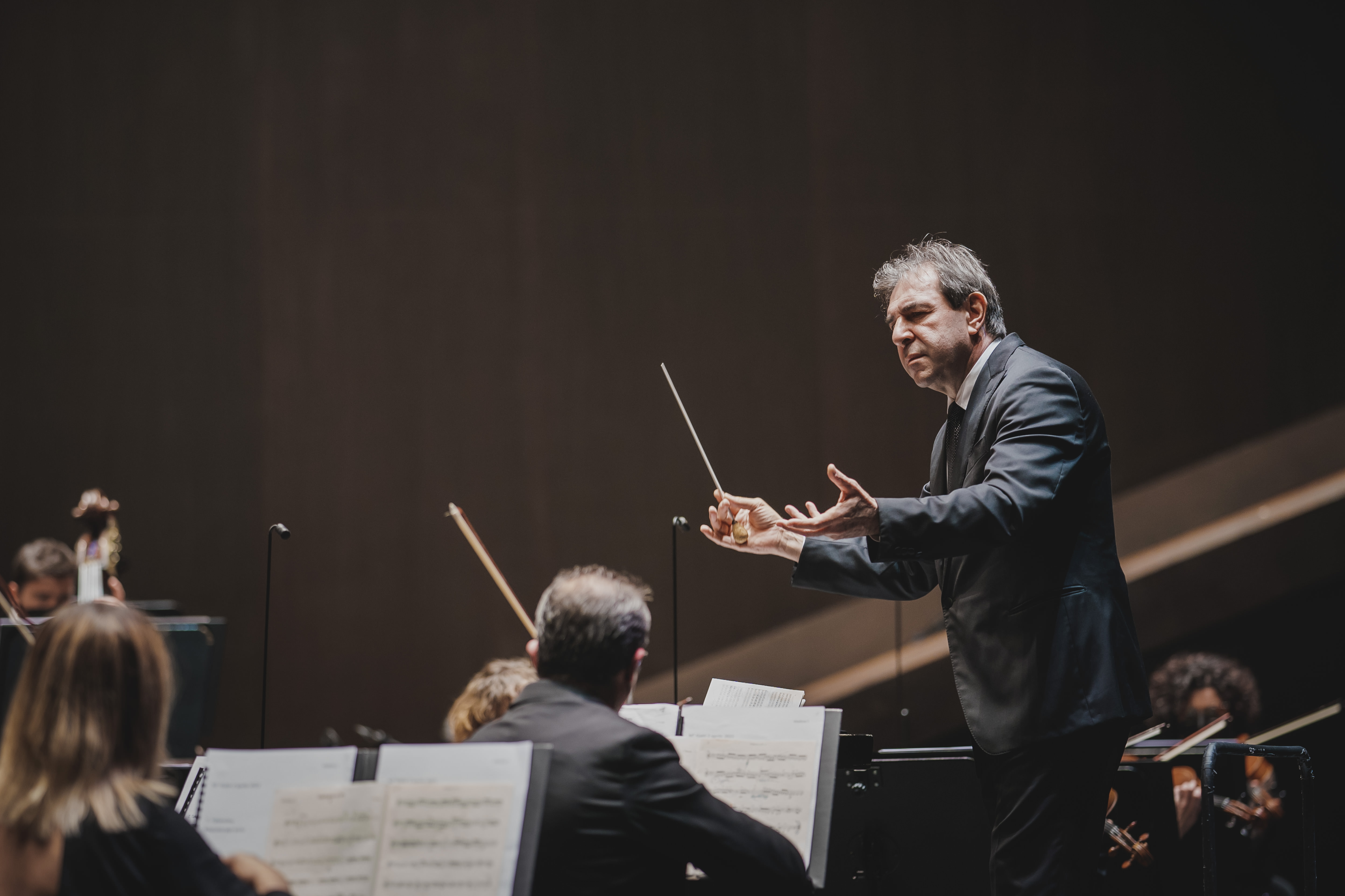 Daniele Gatti e l'Orchestra del maggio Musicale Fiorentino (foto Michele Monasta)