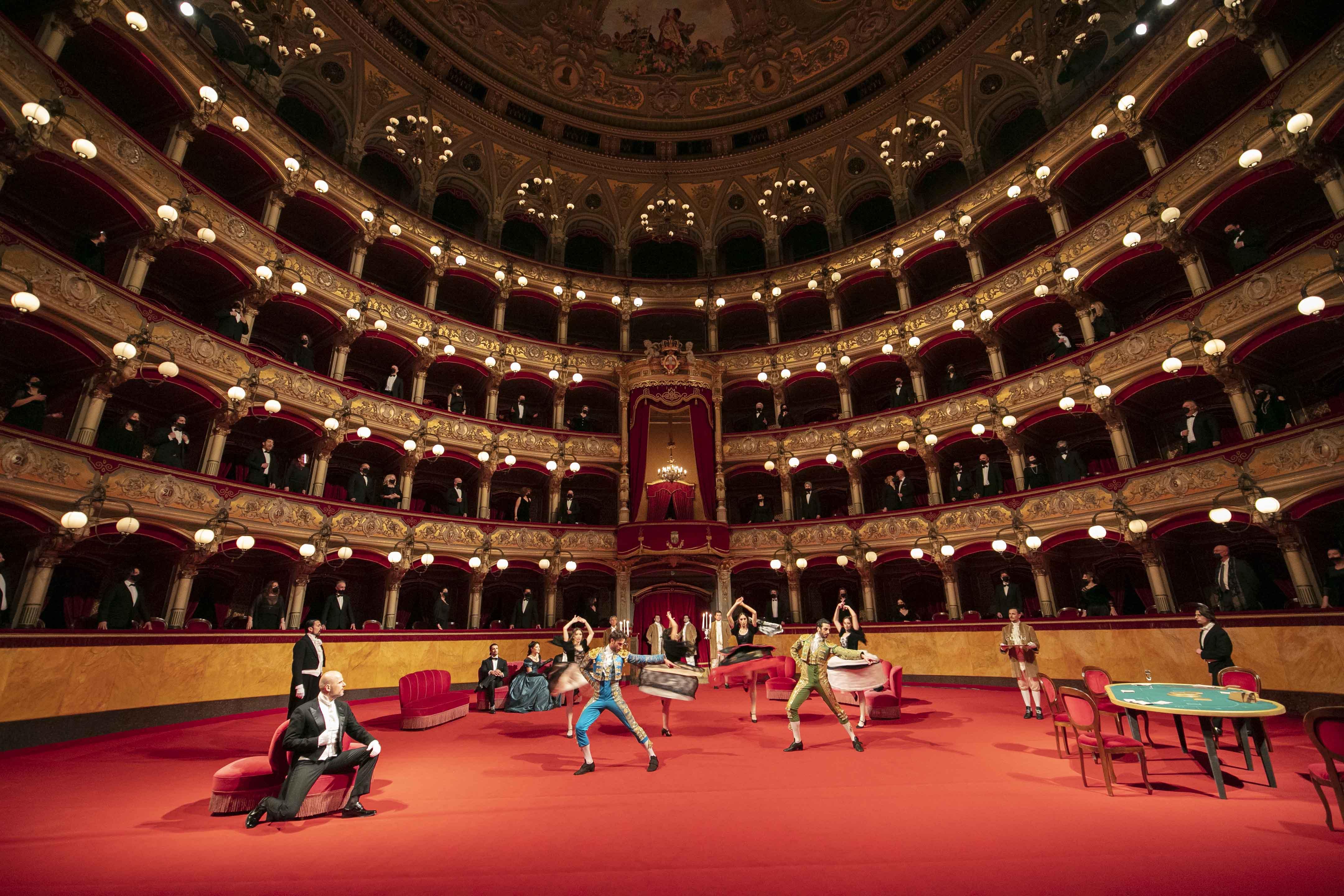 La Traviata, Atto II, scena II - Teatro Massimo Bellini, Catania - ® Giacomo Orlando