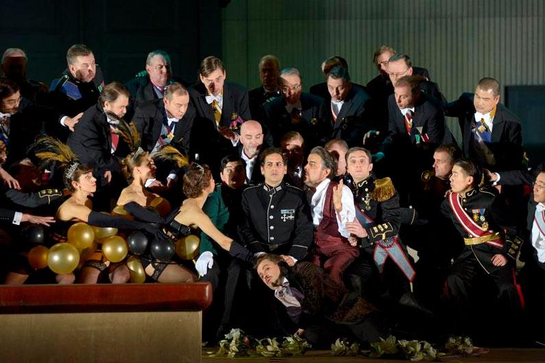 Berlino - Deutsche Oper: Les Huguenots - copyright: Bettina Stöss